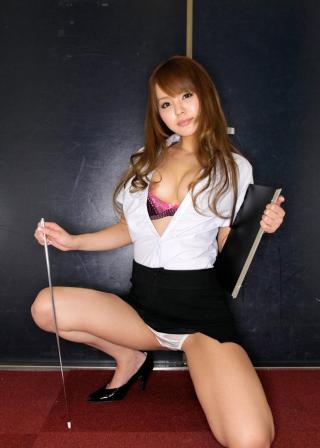 丘咲エミリエロ教師