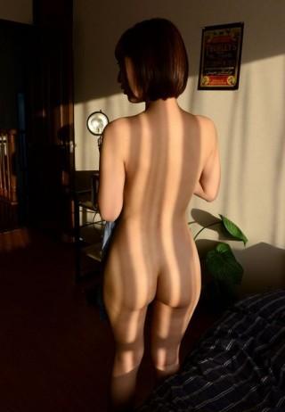 全裸背中美尻