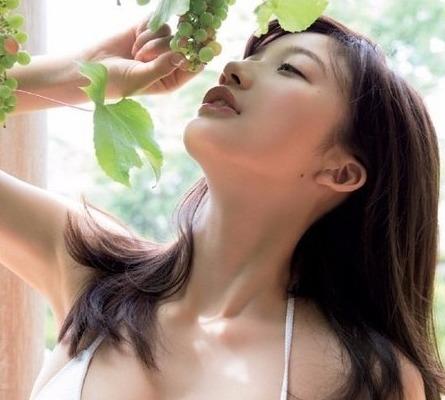 小倉優香 写真|最新白ビキニ姿がえろすぎる☆ えろ写真